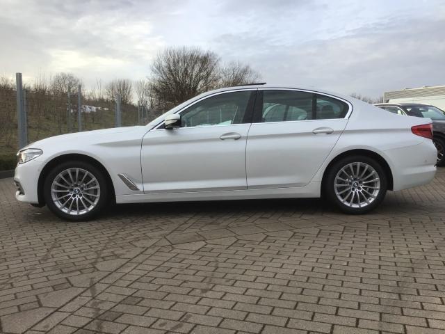 BMW 5er 530 i xDrive Luxury Line EU6d-T Aut Park-Assistent -  Leasing ohne Anzahlung - 369,00€